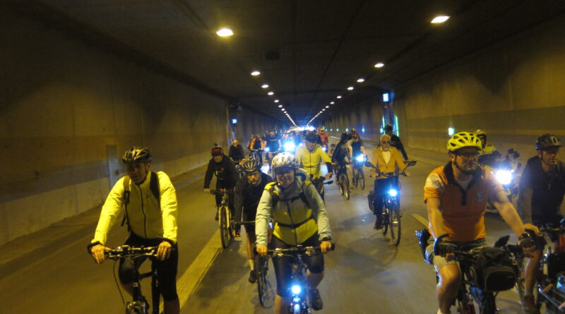 Auf der B236 im Tunnel Wambel